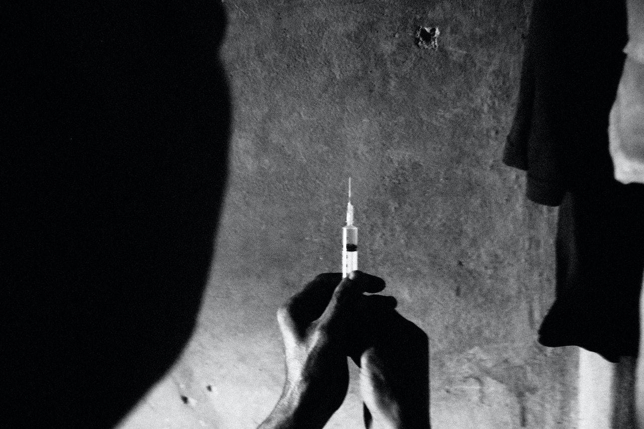 Stroitelev-Nepal-Drugs_12