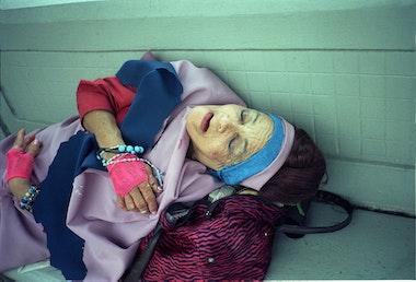 Mujer+DormiendoLB