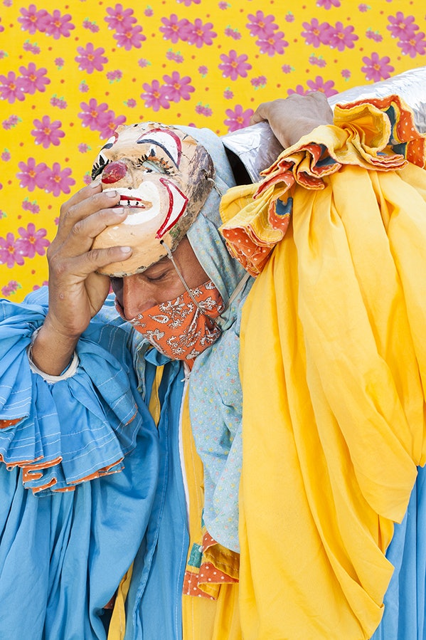 Dancing clowns