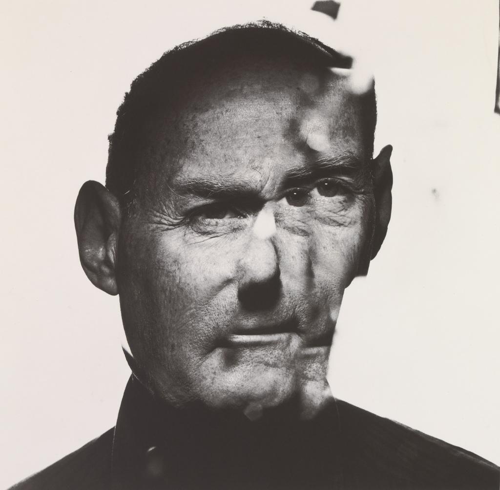 Irving-Penn_Irving-Penn-In-a-Cracked-Mirror-A_web