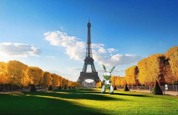 xsnapchat-jeff-koons-art-installations-4.jpg.pagespeed.ic.5uCL6uCPCf