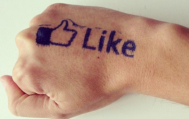 «Фейсбук» запускает «индикатор доверия» СМИ