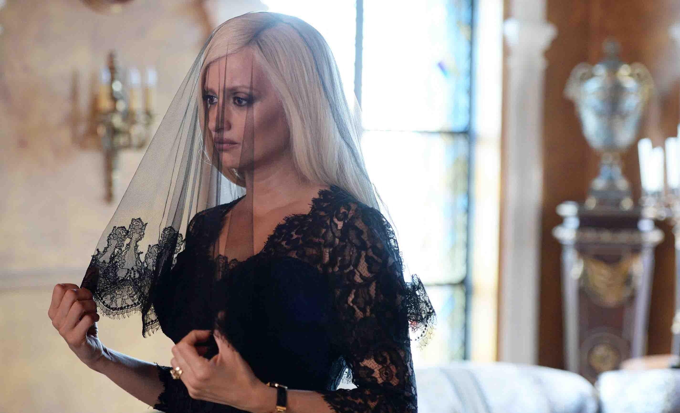 Семья Версаче раскритиковала сериал об убийстве модельера