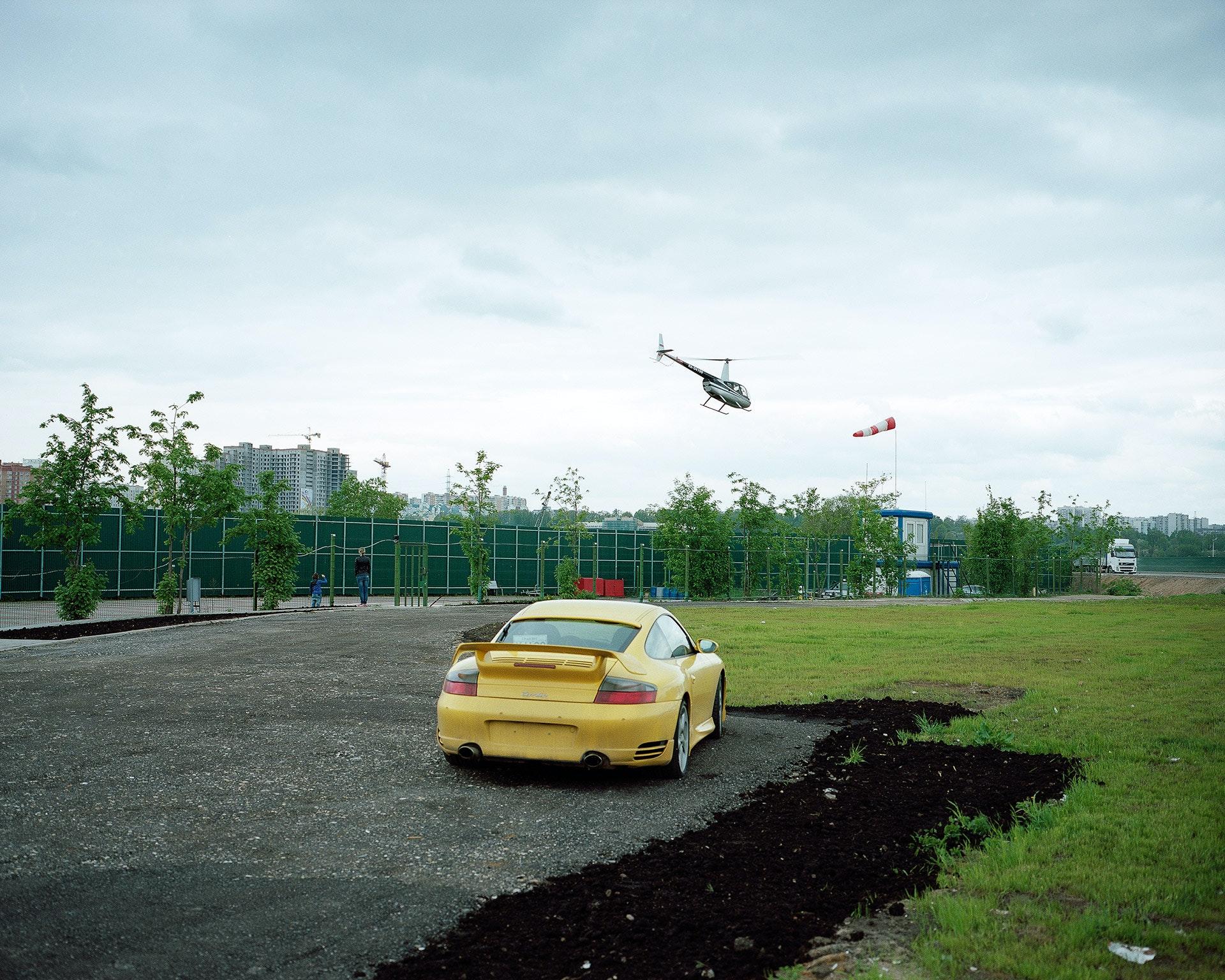 Petr_Antonov_Trees,-cars,-figures-of-people,-assorted-barriers_2
