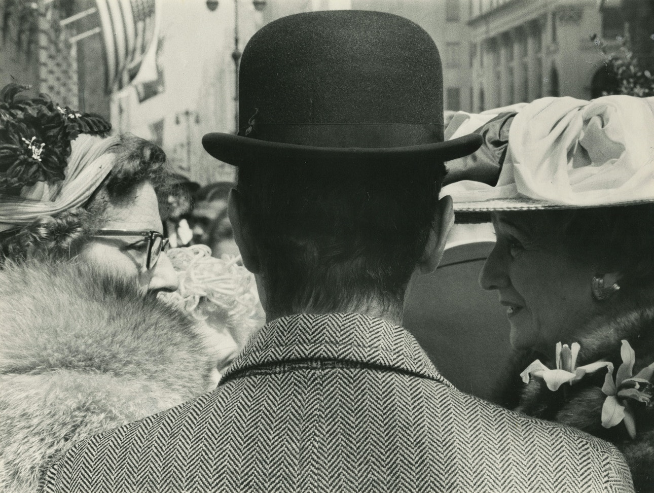 4.-MAIN_Fifth-Avenue-(man-with-two-ladies),-c.-1959