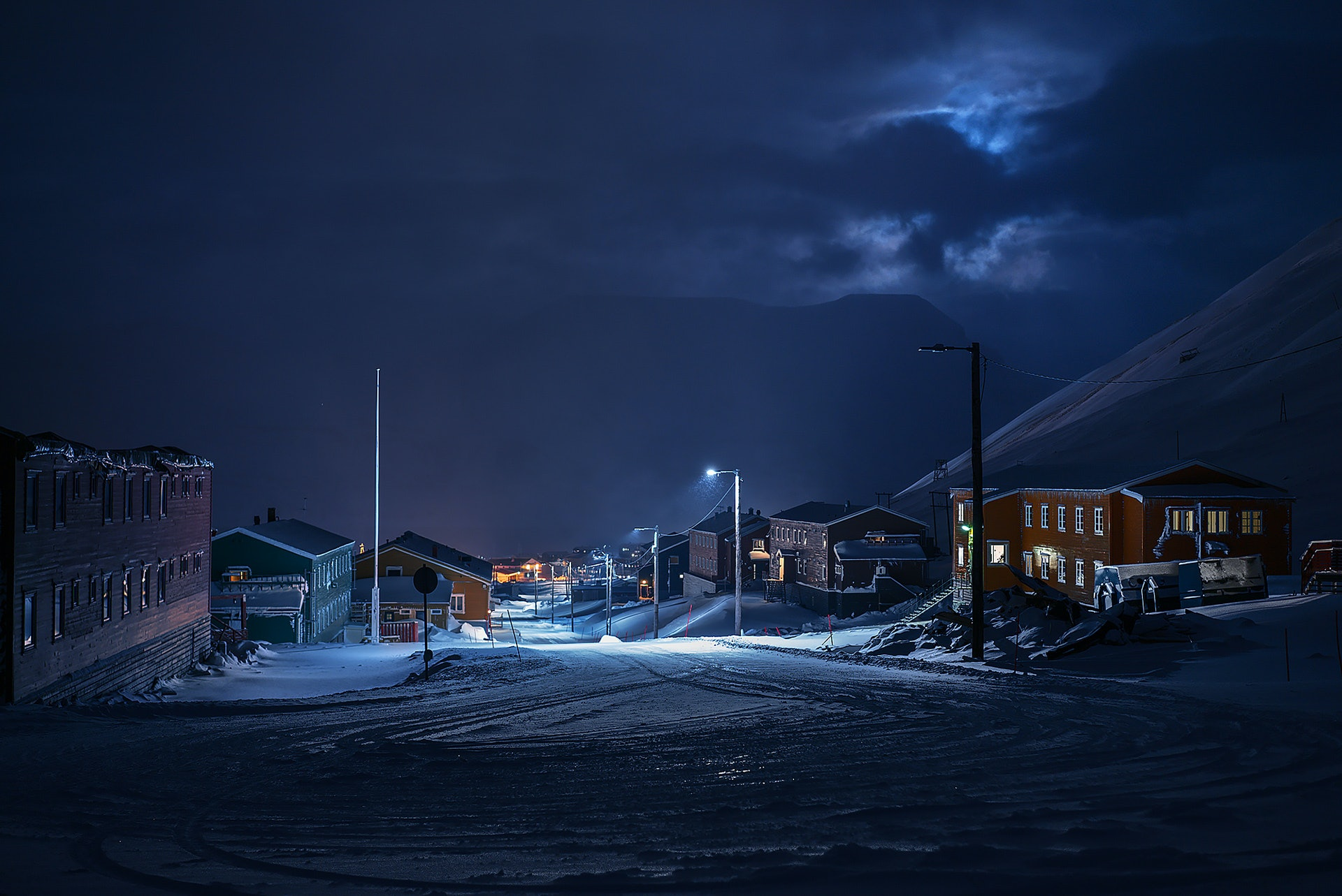 SVALBARD_norway_longyearbyen_city_lights_polar_night_by_maria_sahai