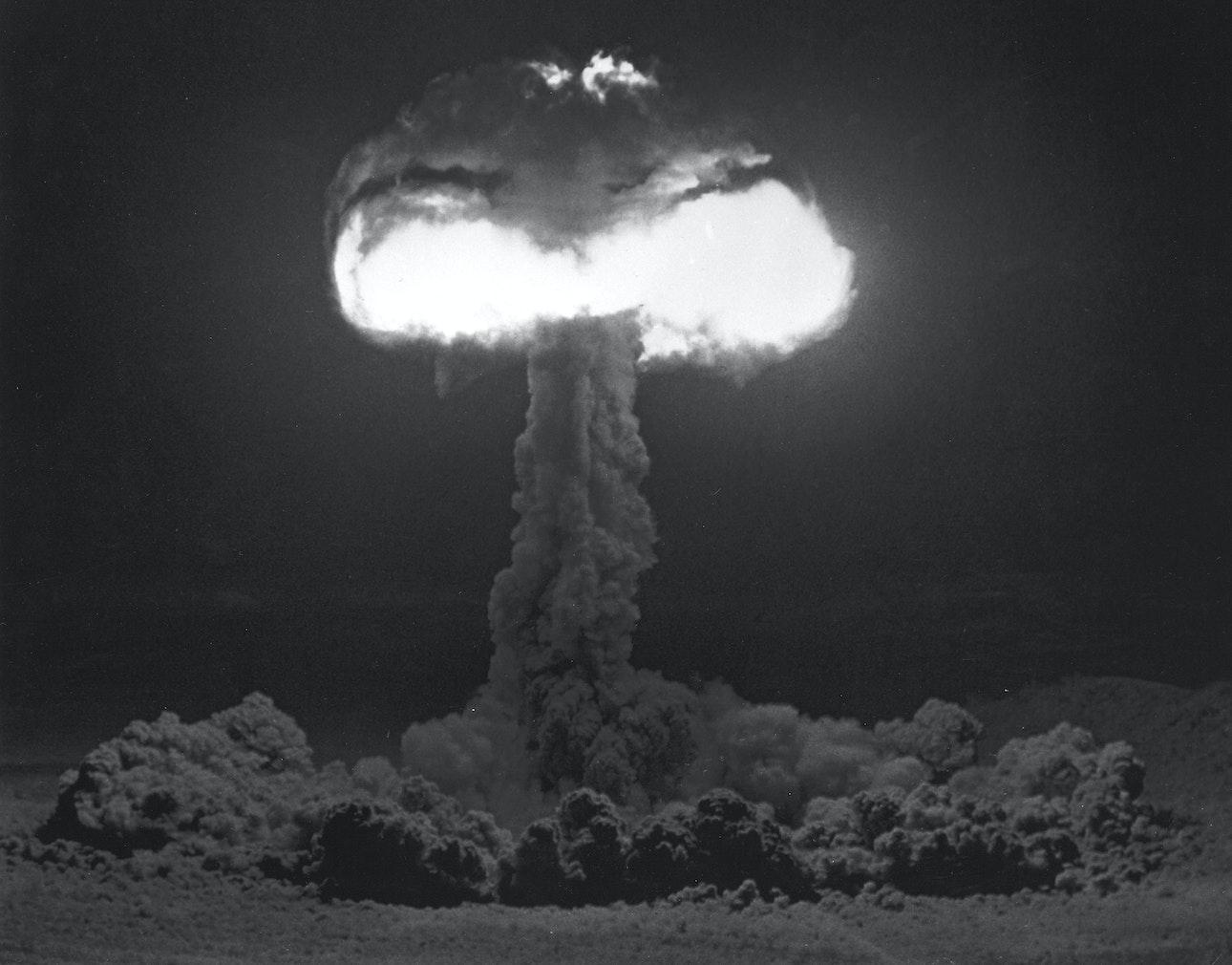 atomic-bomb_10