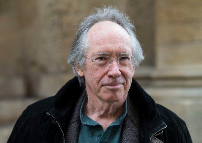 Британский писатель помог сыну написать эссе посвоему роману— школьник получил «тройку»