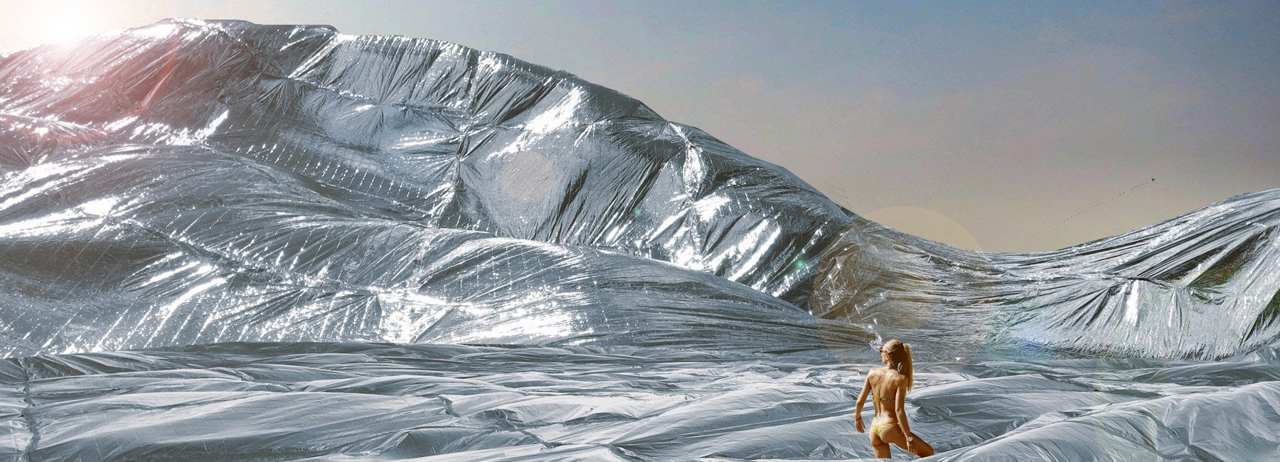 100-sqm-nasa-space-blanket-burning-man-sasha-shtanuk-designboom-1800