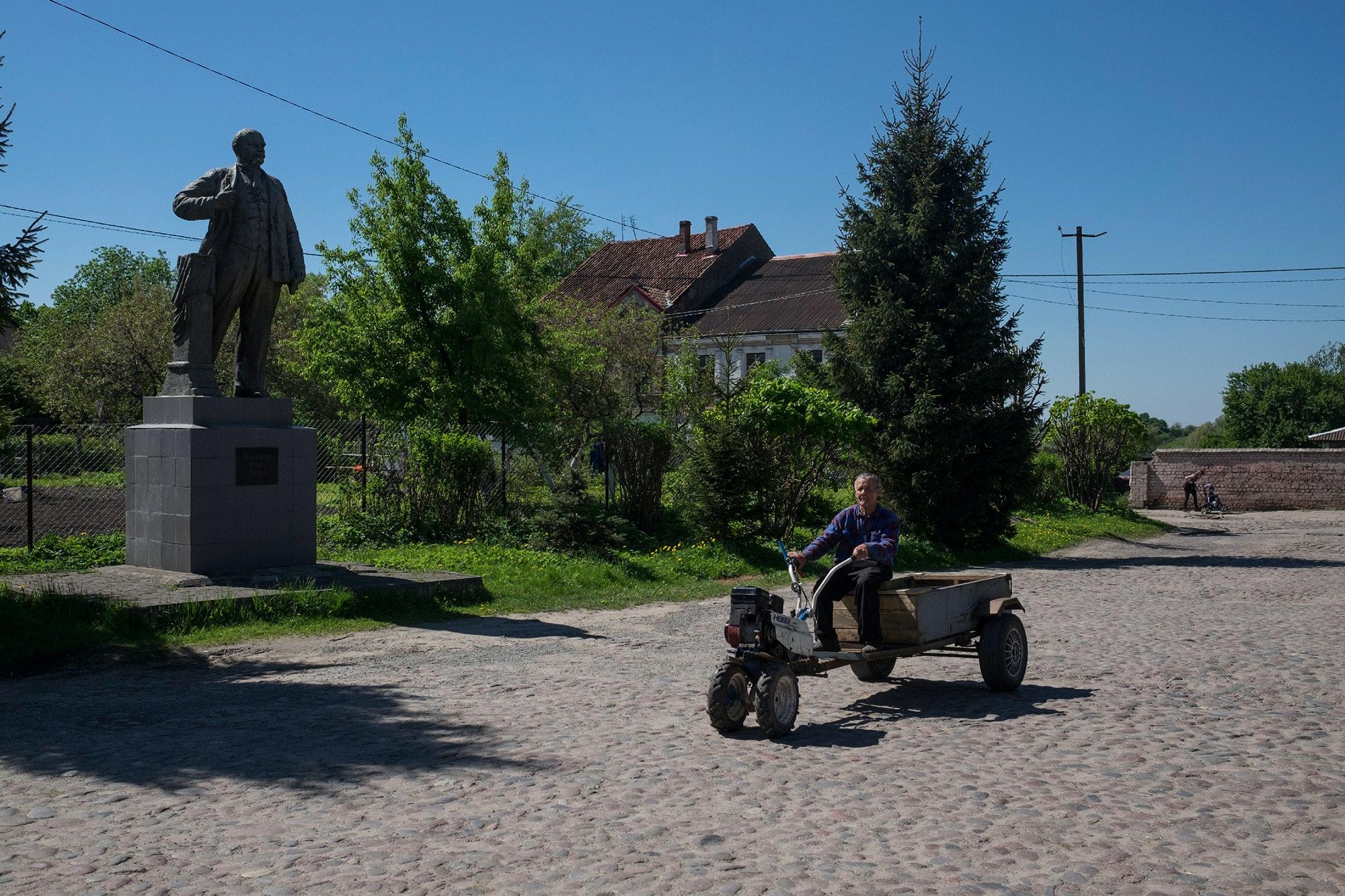 Stroitelev-zheleznodorozhy_24