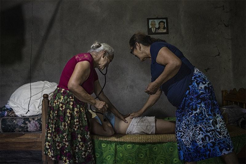 women-photograph-grants_01