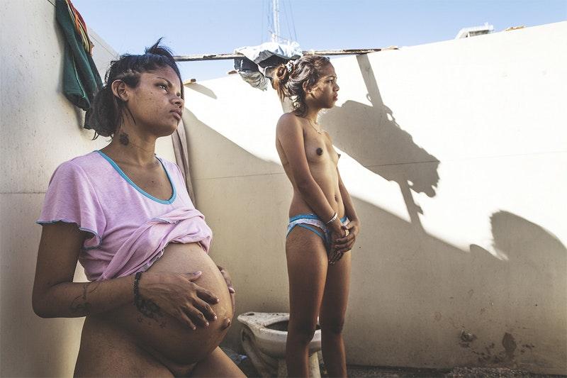 women-photograph-grants_05