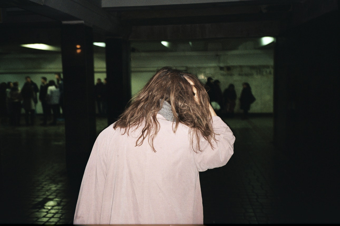 Woman_metro