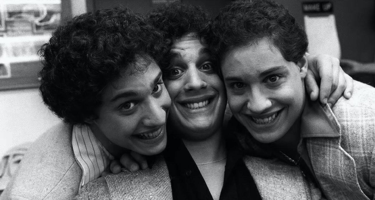 Three-Identical-Strangers_02