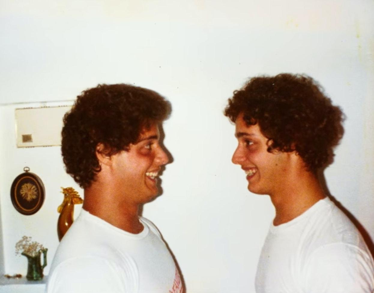 Three-Identical-Strangers_06