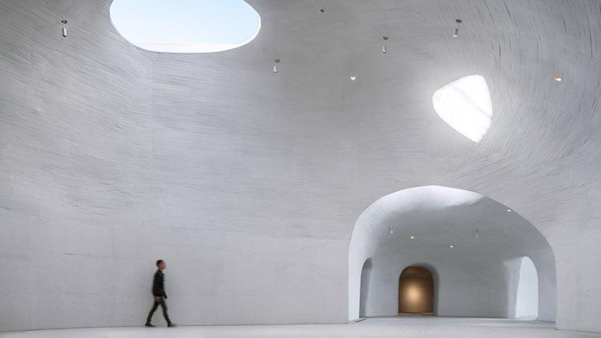 ucca-dune-art-museum-open-architecture-qinhuangdao-china-_dezeen_936_hero2-852x479