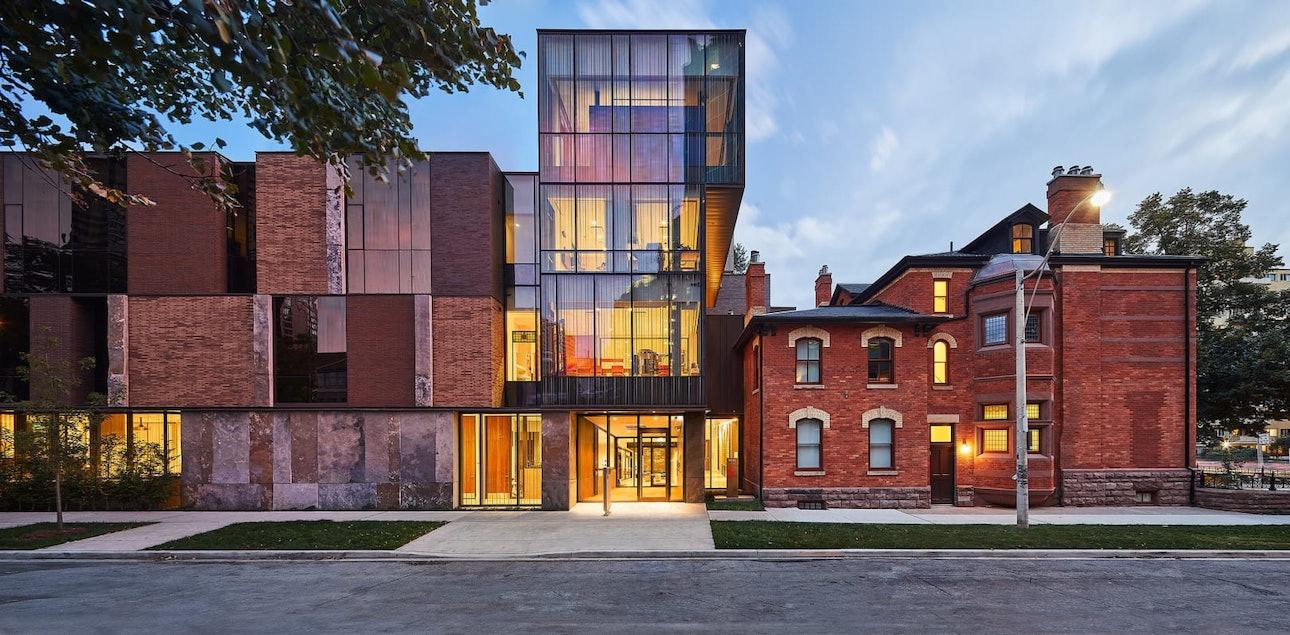 Центр Casey House, Канада