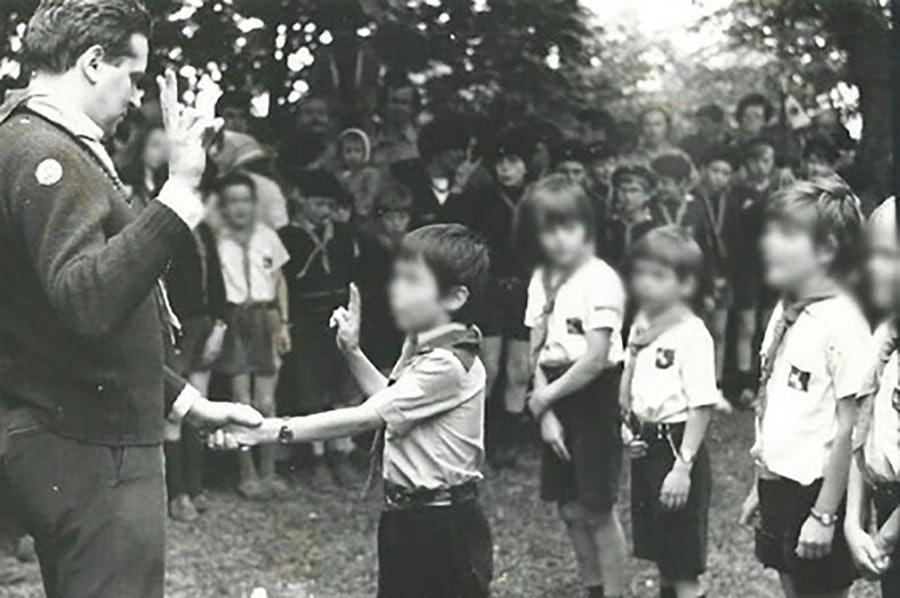Скаутская организация «дети святого Луки», где раскрылись случаи домогательств отца Прейна к детям