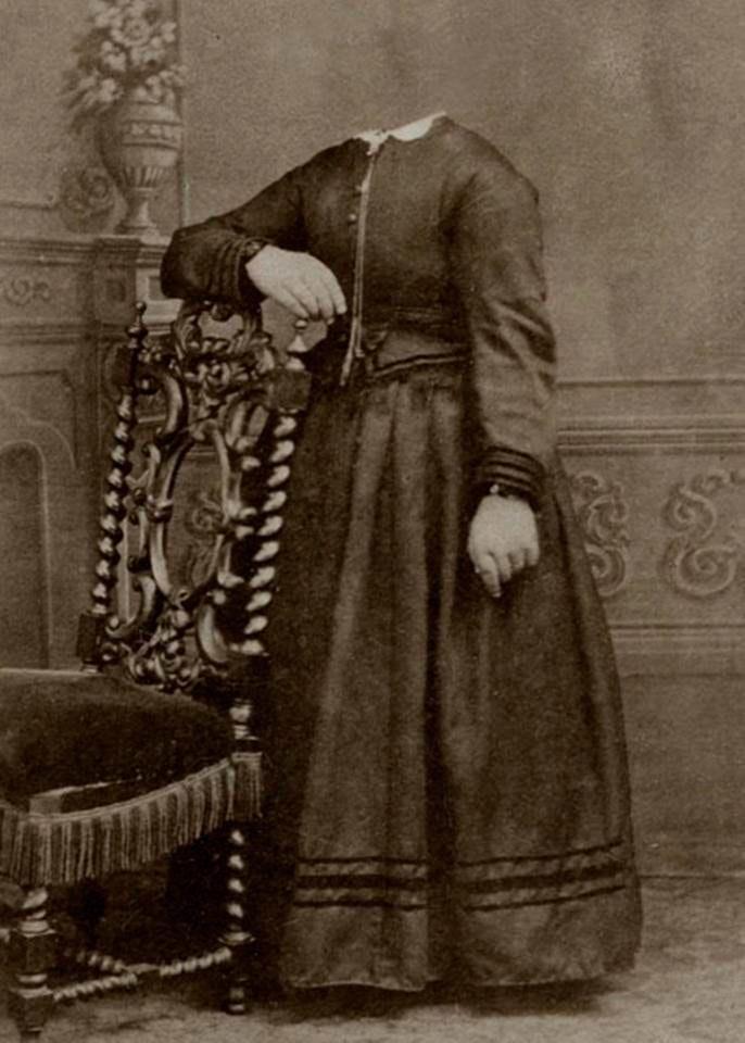Victorians-headless_12
