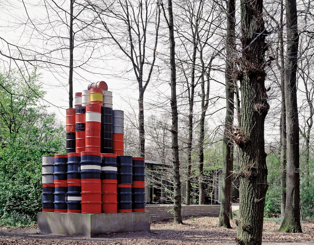 Christo 56 Oil Barrels 1966-67 183 x 94 1:2 x 94 1:2 (465 x 240 x 240 cm) Kröller-Müller Museum, Otterlo, The Netherlands Photo- Kröller-Müller Museum © 1967 Christo
