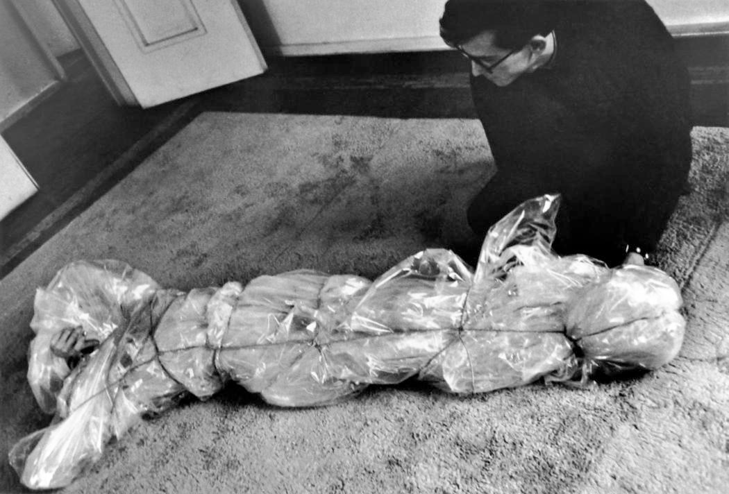 Christo with Wrapped Woman, 1961 at the home of Yves and Rotraut Klein 1962 Photo- Shunk-Kender © 1962 Christo