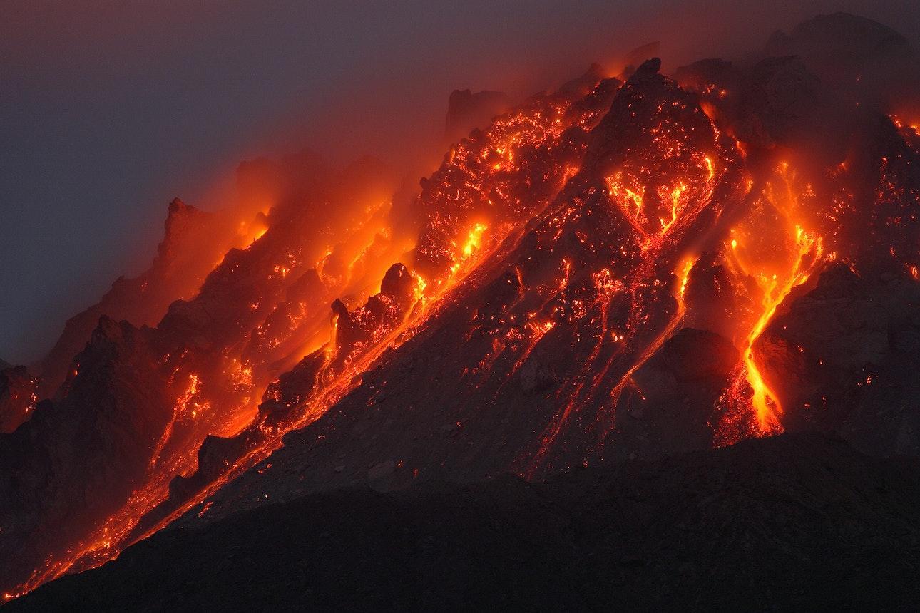Soufriere-Hills-Volcano_01