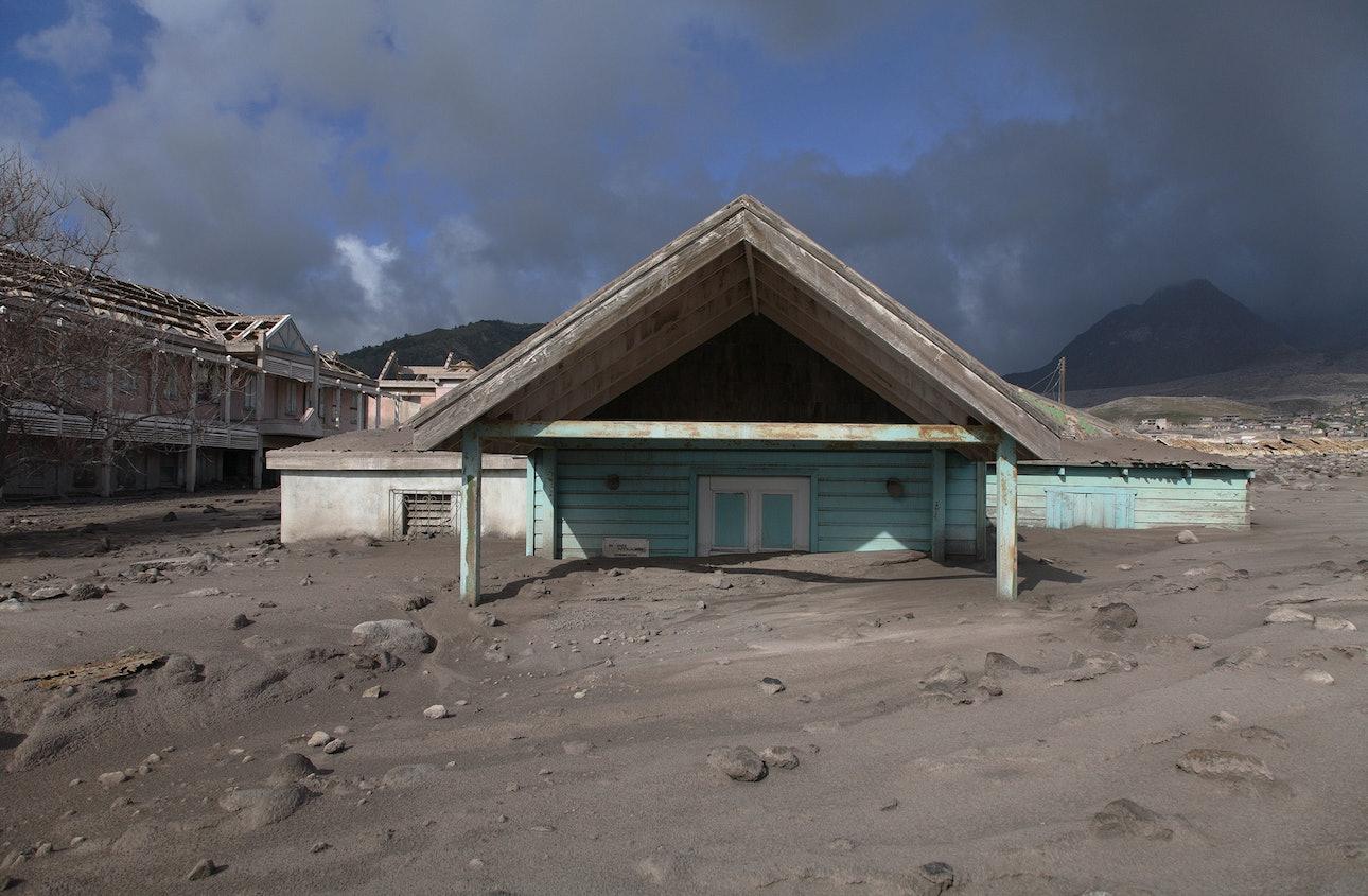 Soufriere-Hills-Volcano_02