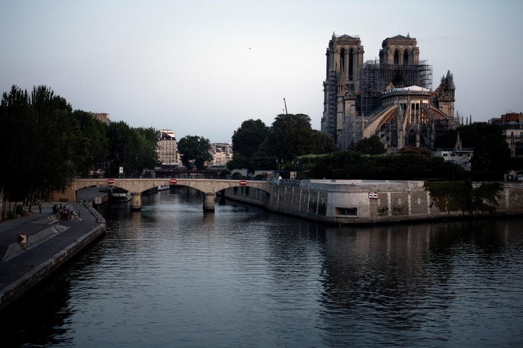 FILES-FRANCE-TOURISM-NOTRE DAME