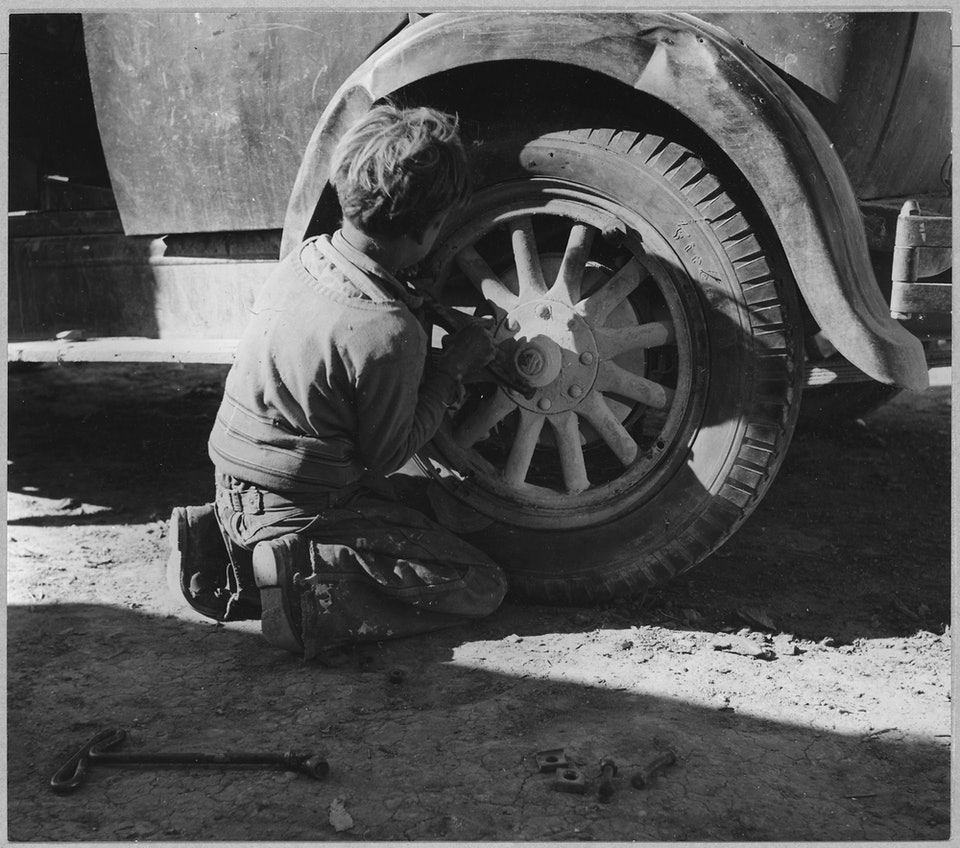 dorothea_lang_South_of_Eloy,_Pinal_County,_Arizona._Ten-year-old_migratory_Mexican_cotton_picker._He_was_born_in_T_._._._-_NARA_-_522015