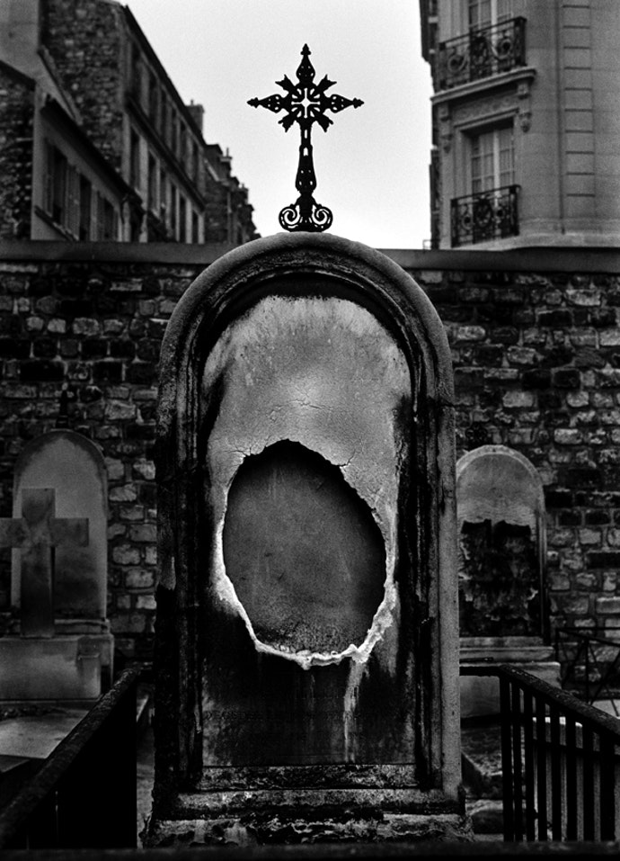 Artist- Christer Strömholm Title- BVS 0246 Montmartre, Paris 1959