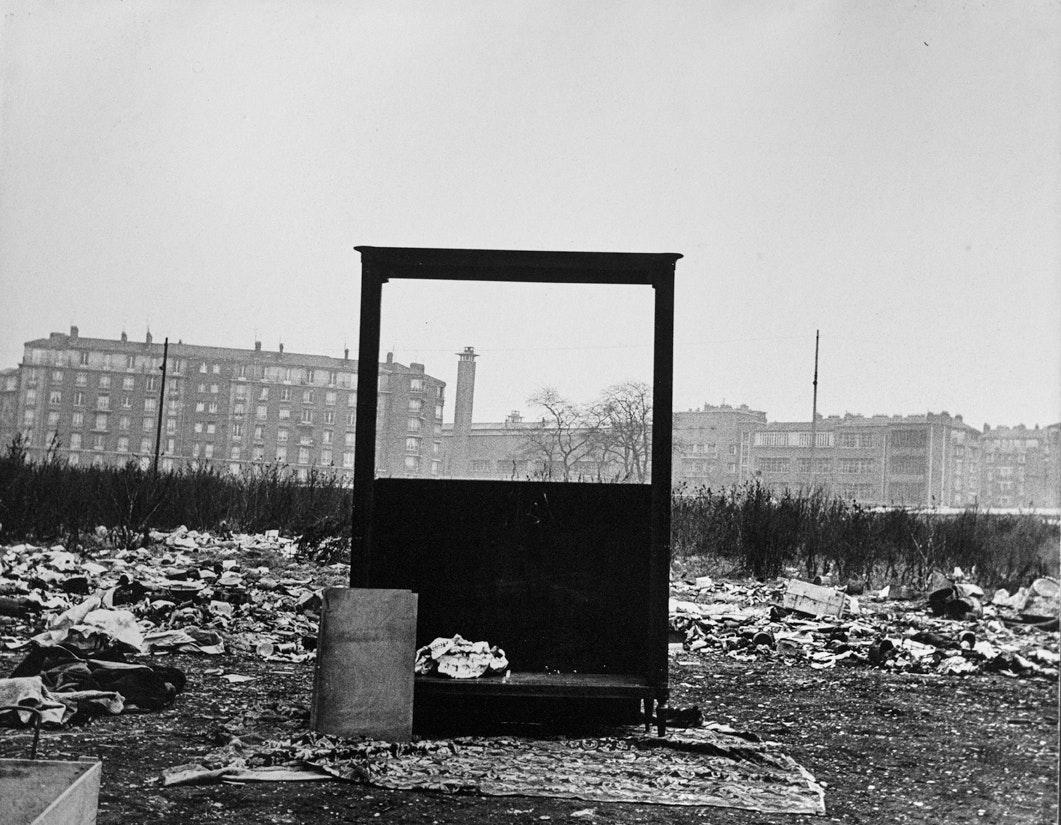 Title- BVS 0190 Paris 1955