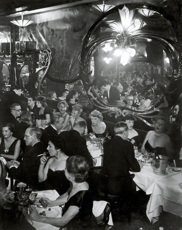 Gala Soiree at Maxims 1949 c Estate Brassai Succession Paris копия