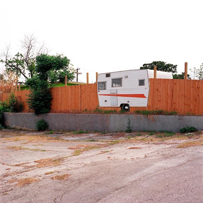 caravan_fence-2