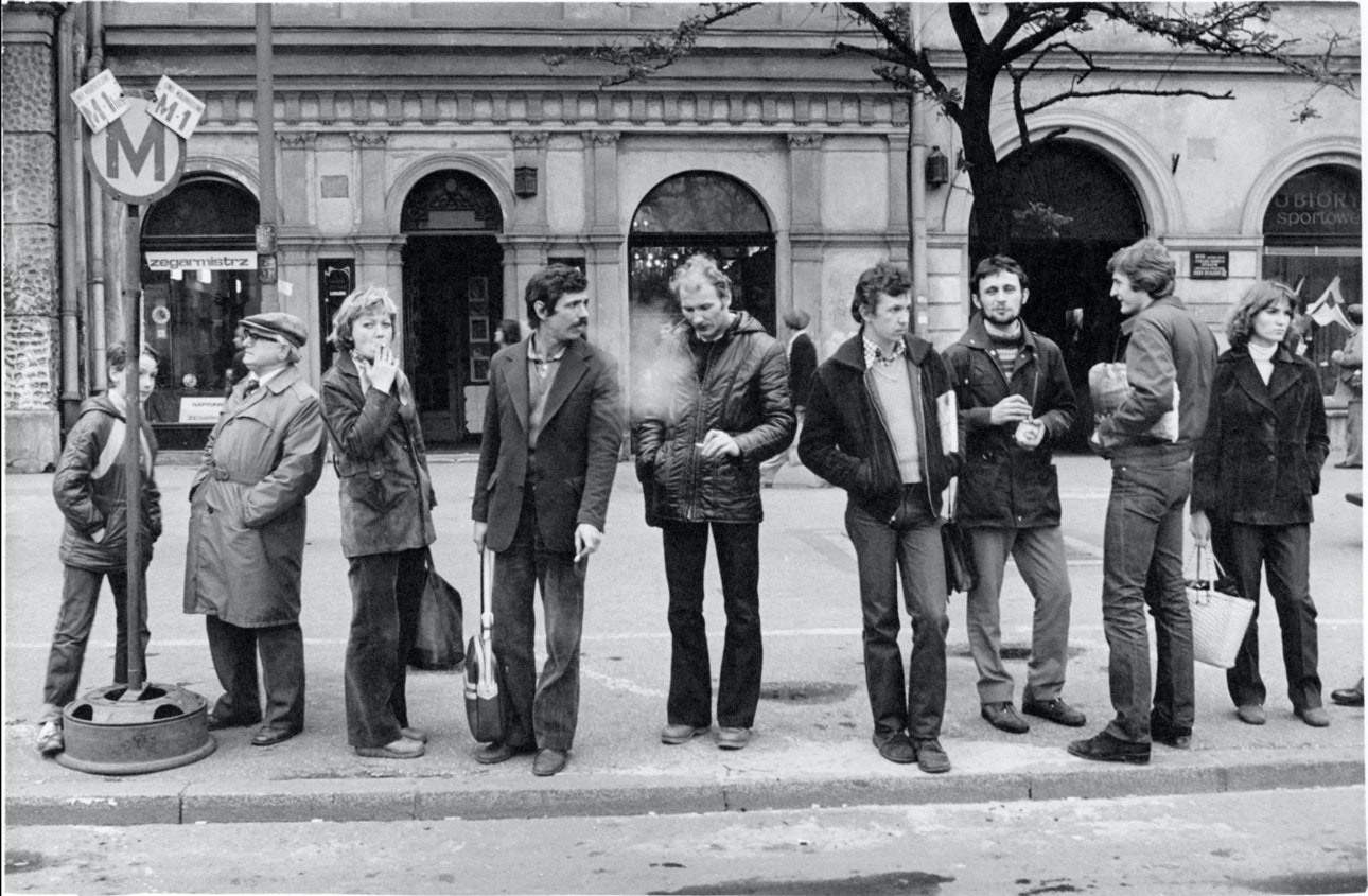 waiting_Cracow_Poland_1980_02_opt