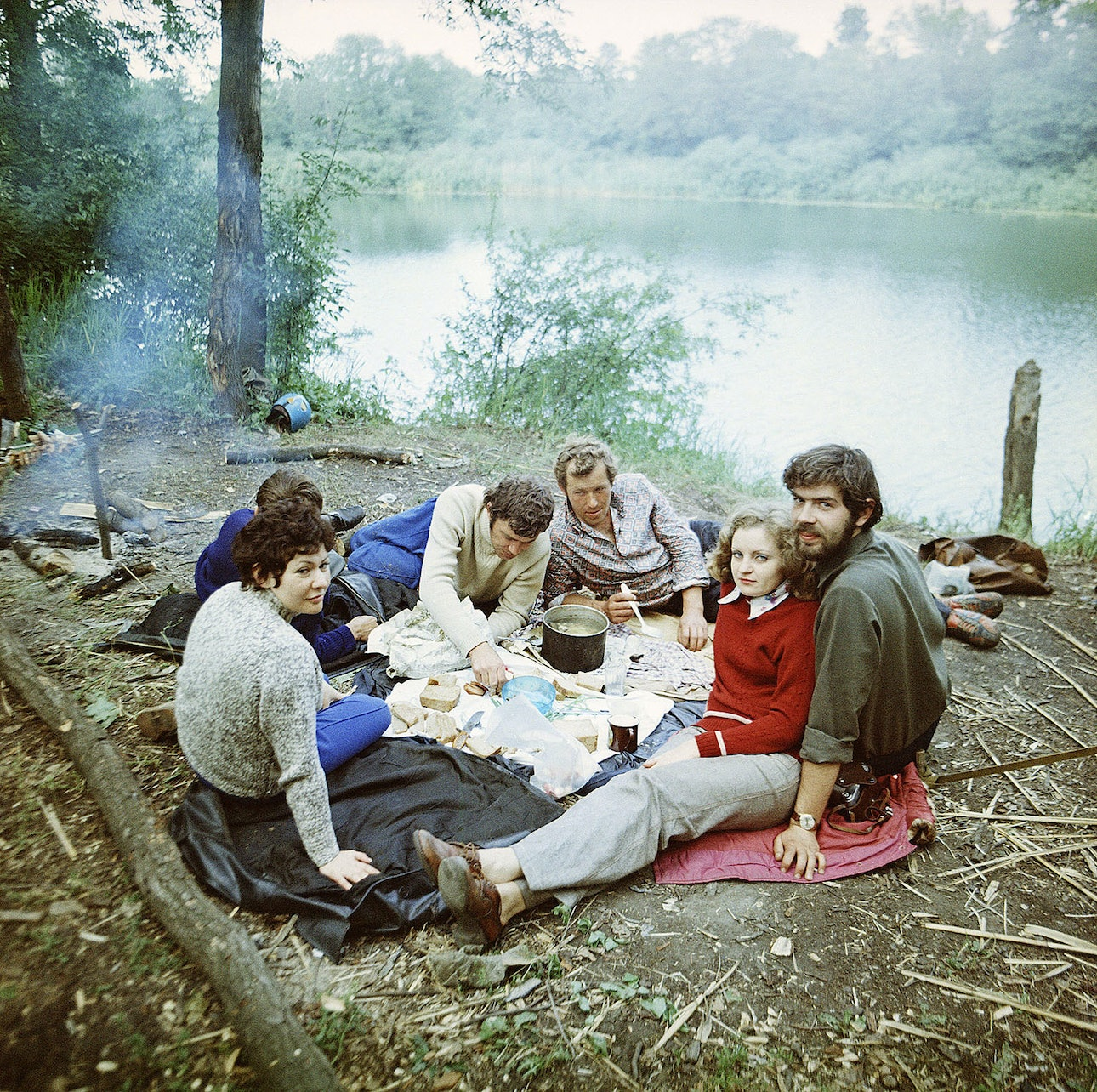 069-Dinner-on-coast of-lake.1974