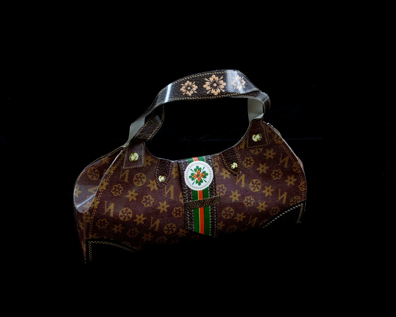 Kurt TONG_louis_vuitton_handbag