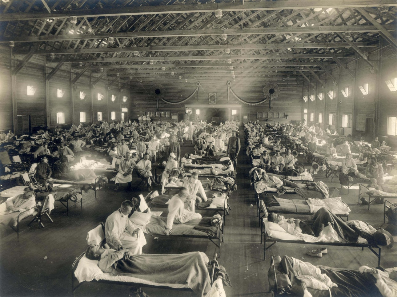 Emergency_hospital_during_Influenza_epidemic,_Camp_Funston,_Kansas_-_NCP_1603_covid_questions