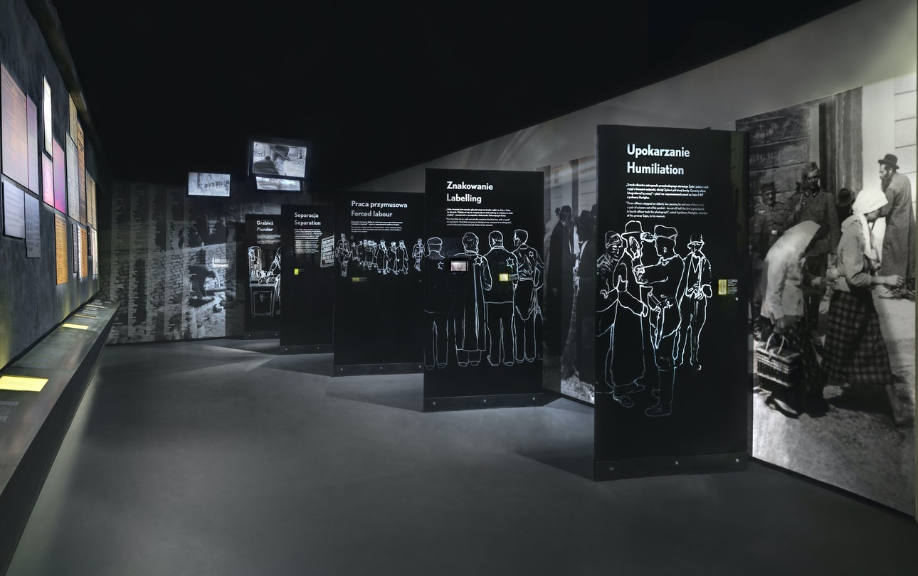 07_holocaust_memorials_world