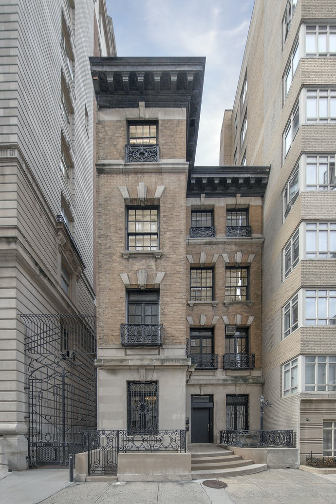 Marc Yankus_A Building Between