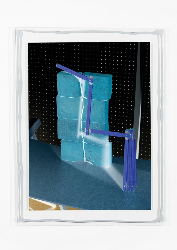 Vytautas Kumža, Half Empty Half Full #8, Hahnemühle print mounted on glass, silicone, 2019