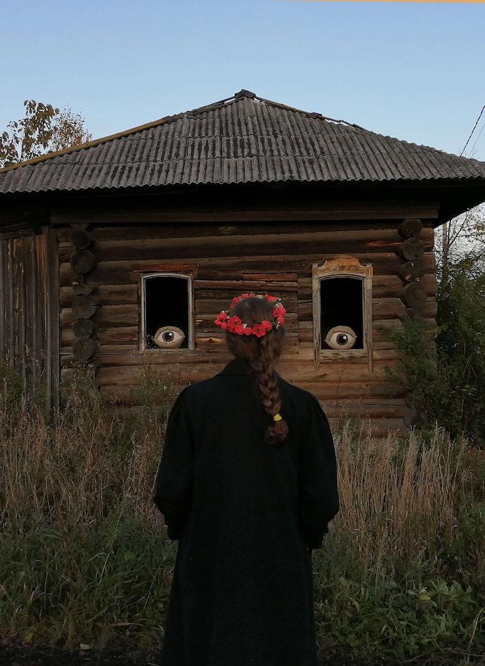 alice_hualice_gorshenina_фото с выставки Русское инородное в деревне Якшина