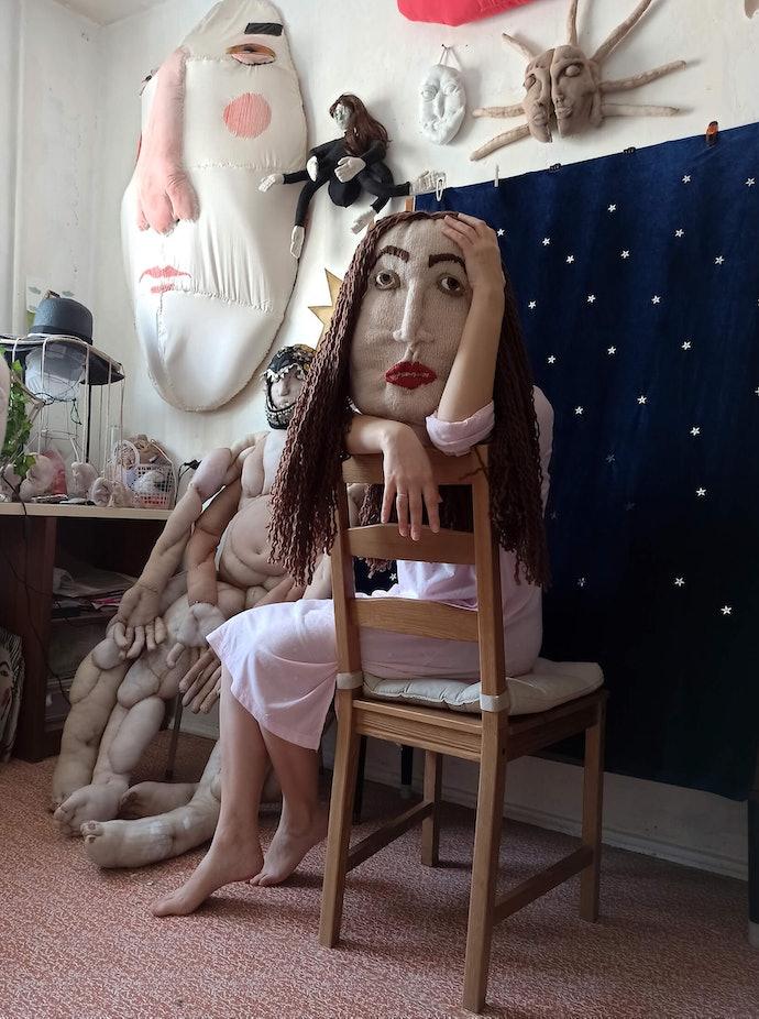 alice_hualice_gorshenina_tired woman