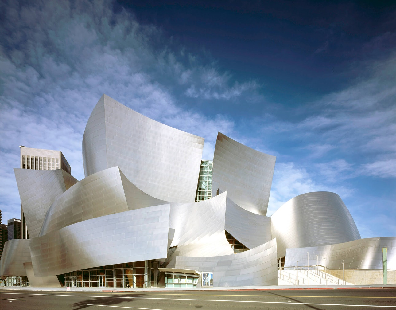 lossy-page1-7694px-Modernist_architect_Frank_Gehry's_Walt_Disney_Concert_Hall,_Los_Angeles,_California_LCCN2011634987_gorokhov_gorohov