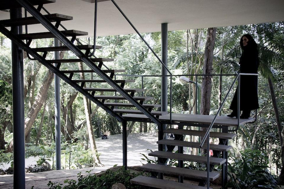 Escadaria_da_Casa_de_Vidro_de_Lina_Bo_Bardi_Igor Marotti_wikimedia_commons