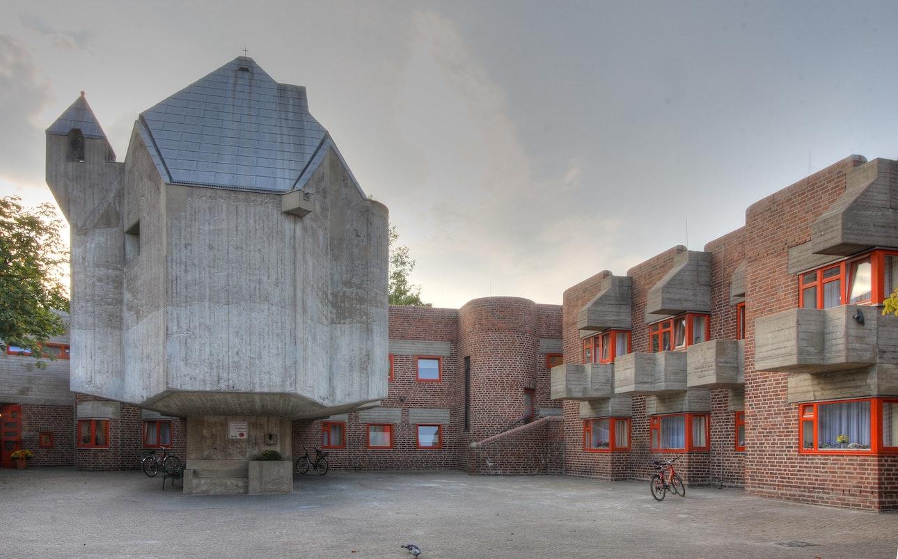 Дом престарелых Святой Хильдегардис и церковь Святого Матфея в Дюссельдорф-Гарат Готтфрид Бём