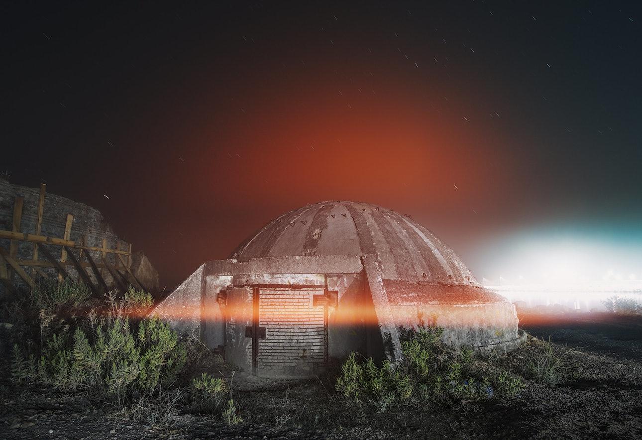 Бункер в Дурресе, Албания, фотограф Сяо Янг, Xiao Yang Eternal monuments in the dark