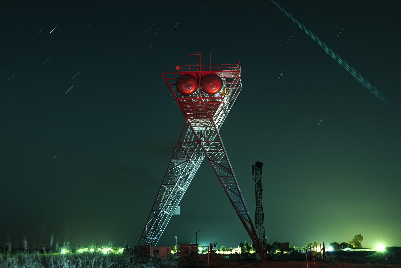 Водонапорная башня в Гихо-де-Кория, Испания, Сяо Янг, Xiao Yang Eternal monuments in the dark