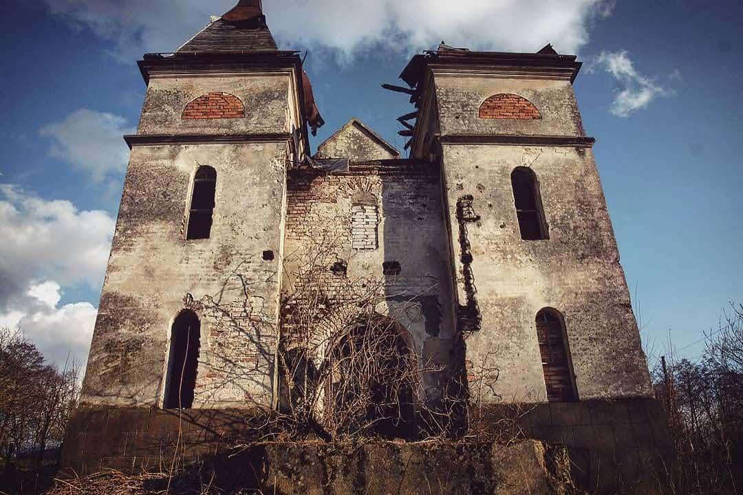 Марина Временова Каплиця в селі Ямельня Львівської області