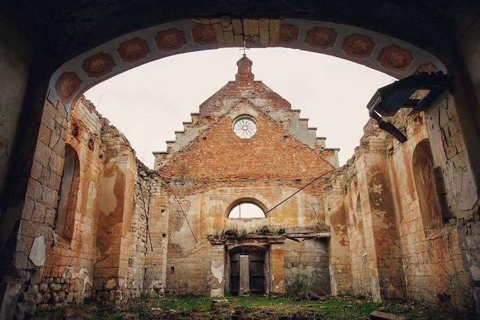 Марина Временова Костел Святого Валентина в селе Раковец Львовской области