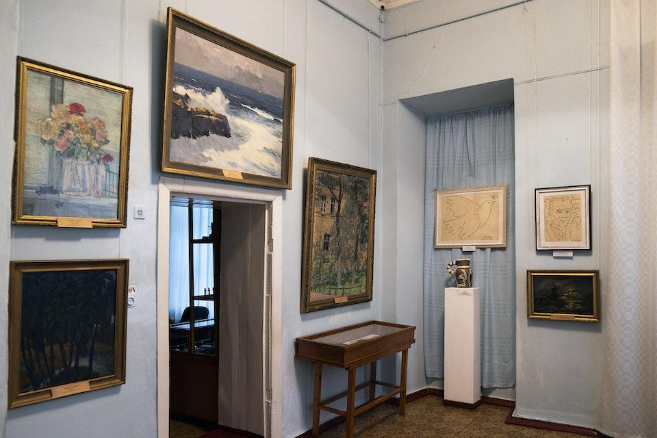 museum_guide_liholet_lykholet Пархомовский художественный музей
